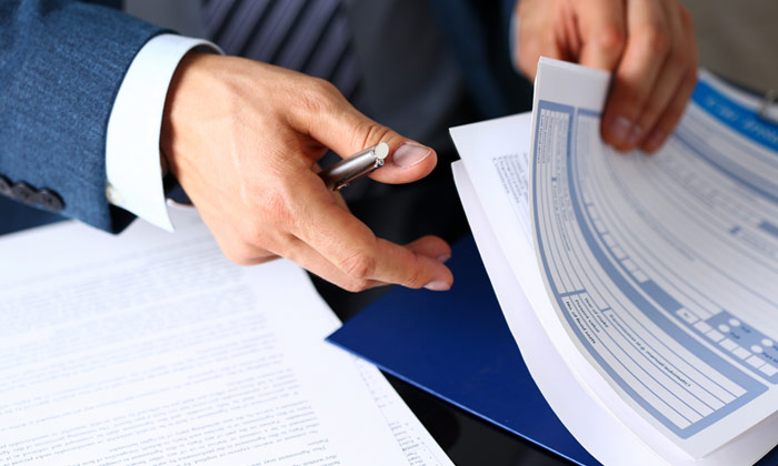 In addition to shipping your merchandise, KEMITO will also do your paperwork. The administration services which we supply range from the official management of imports and exports to the preparation of all required transport documents.