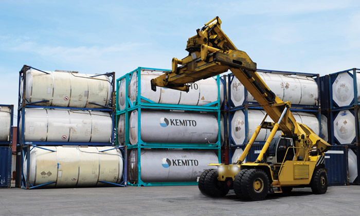 KEMITO can offer temporary bulk storage, even at short notice. In addition we can offer bulk storage to rent as well as long term rental of ISO tanks. For clients needing more flexibility we can charter barges for customers to hold material while arrangements are made for permanent storage.