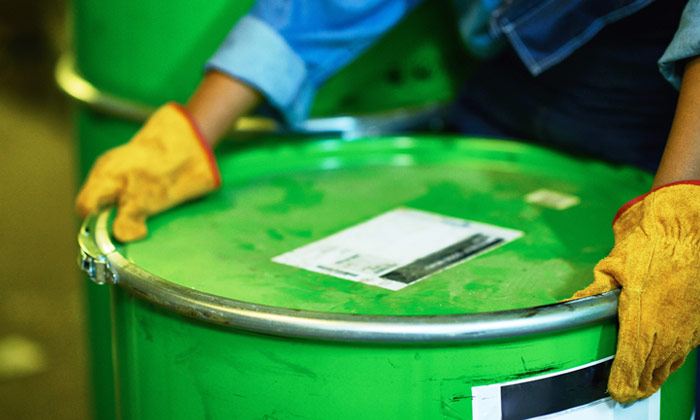 KEMITO's repacking facility offers a wide range of services: the repacking of liquid, powder, gel or paste. We can also repack products that are solid or semi-solid at ambient temperature. The facility can pump bulk-to-bulk and bundle-to-bulk.